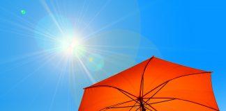 Parasol i słońce